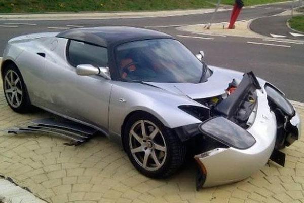 Что можно сделать с разбитым авто (фото-2)