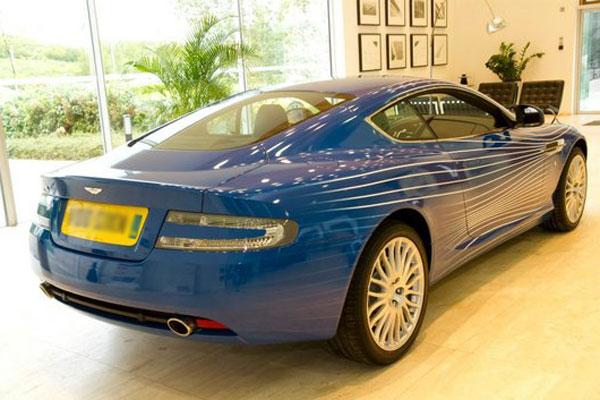 Aston Martin создал суперкар DB9 1M фото