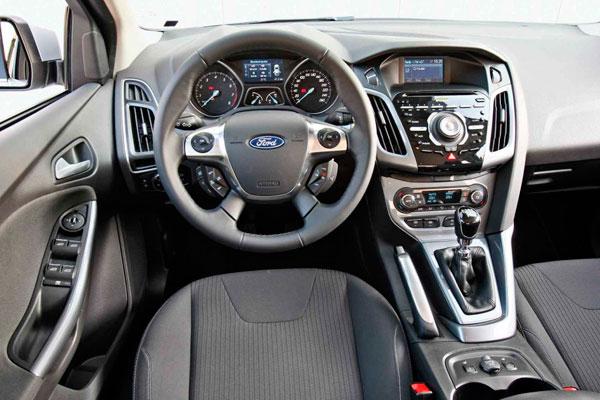 Ford Mondeo Sedan 2.0 MT Trend фото салона
