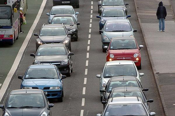 Бензиновые и дизельные автомобили запретят