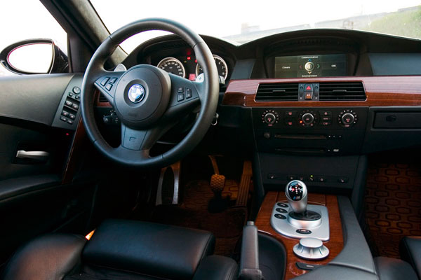 BMW M5 салон