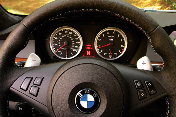 Машина BMW M5