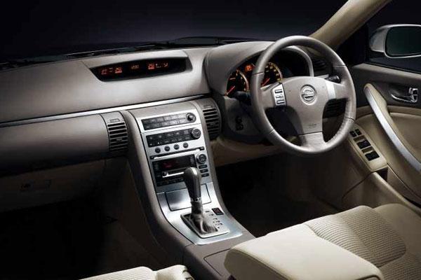 Nissan Skyline V35 салон