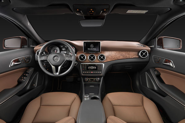 Mercedes-Benz GLA 2014 фото салона