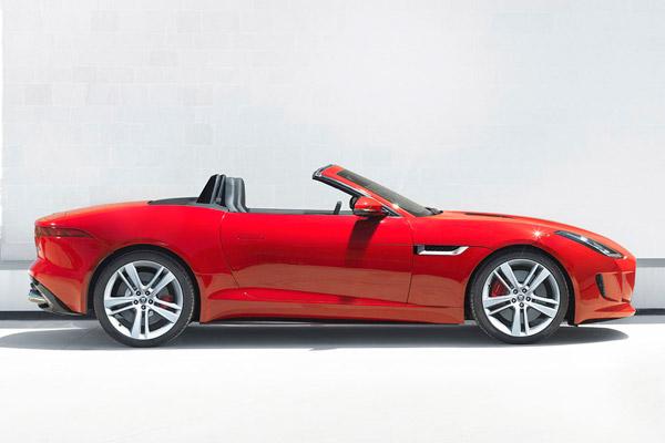 Jaguar F-Type S фото