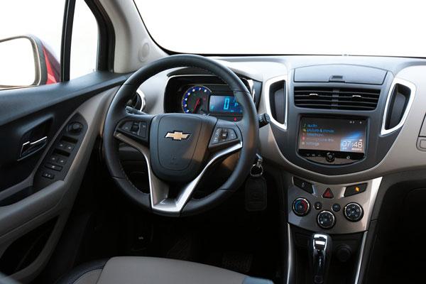 Chevrolet Tracker 2014 салон