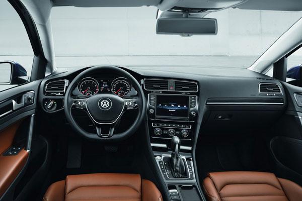 Volkswagen Golf VII салон