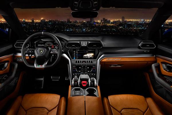 Такого ещё не было - внедорожник от Lamborghini фото салона